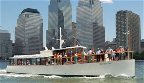 gay boat cruise nyc nyc sightseeing cruise on yacht manhattan classic harbor