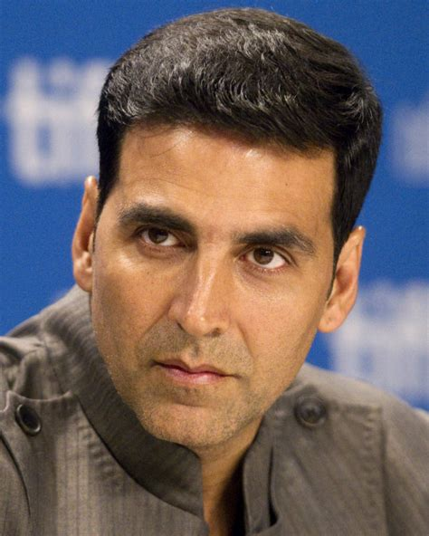 midlle path hair style akshay kumar akshay kumar entertainment is a necessity of life