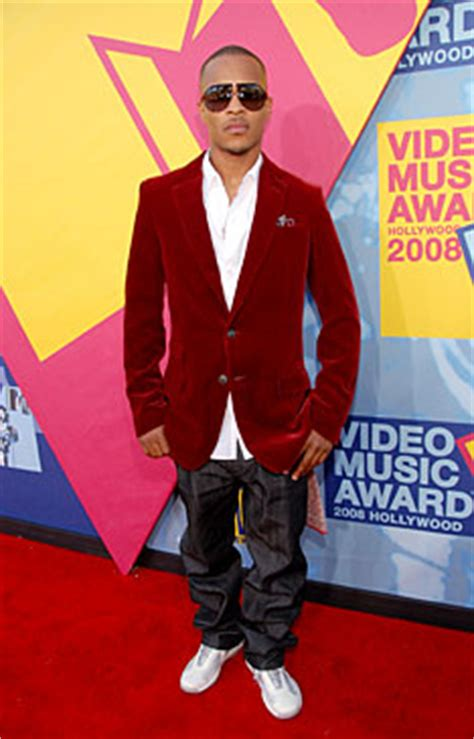 t i on the carpet at the 2008 mtv awards
