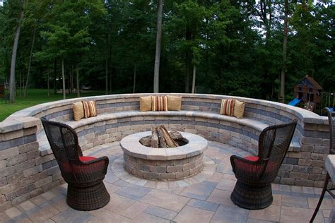 curved fire pit bench with back cinder block fire pit inexpensive and attractive ideas