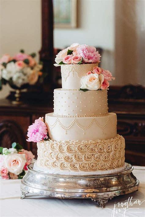 Wedding Cake Buttercream by 15 Best Ideas About Buttercream Wedding Cake On