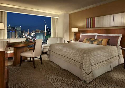 mandalay bay rooms cheap and hotel deals at mandalay bay resort casino las vegas with netflights