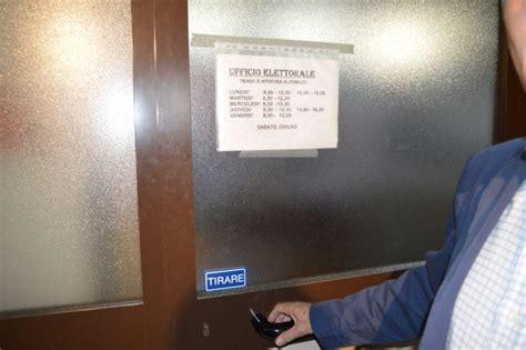 ufficio elettorale foto referendum ufficio elettorale chiuso scajola
