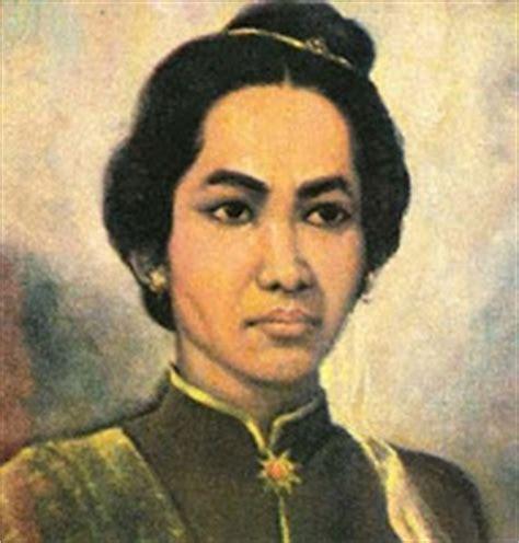biography pahlawan dalam bahasa inggris biografi cut nyak din versi bahasa inggris cut nyak dien