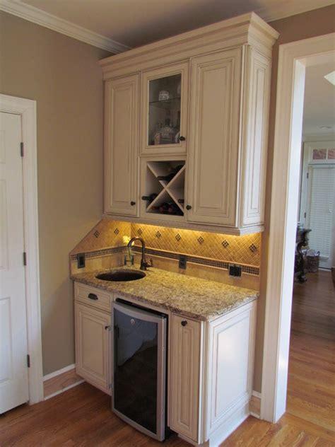 shenandoah kitchen cabinets shenandoah mckinley maple hazelnut hironimus traditional kitchen by lowes of