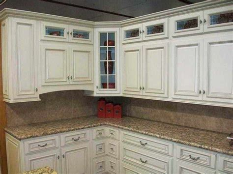 kitchen cabinet glazing techniques 1000 ideas about white glazed cabinets on pinterest