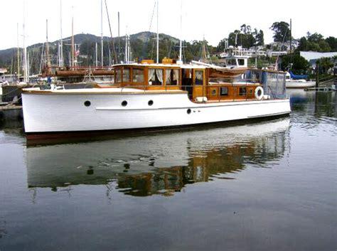 cabin cruiser boats