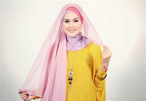 Segi Empat Cara Pakai Jilbab Segiempat Model Terbaru
