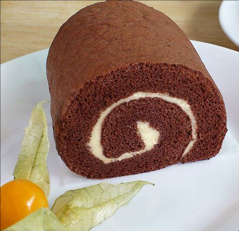 Swiss Roll Cake kitchentigress chocolate swiss roll 巧克力瑞士蛋糕卷