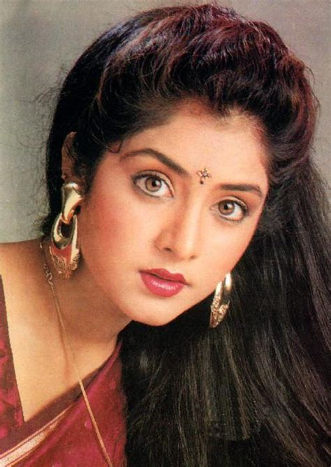 actress divya bharti wallpaper hd divya bharti wallpapers holidays oo