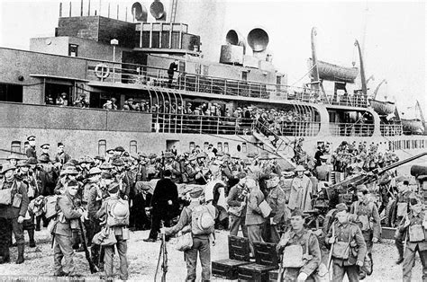 Look Who Is Coming To Brits Rescue by Pictures Of Army S Escape From Dunkirk