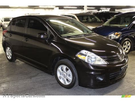 nissan versa black 2011 nissan versa 1 8 sl hatchback in espresso black photo