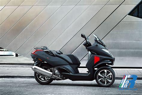 Peugeot Metropolish nuovo peugeot metropolis un tre ruote di tendenza