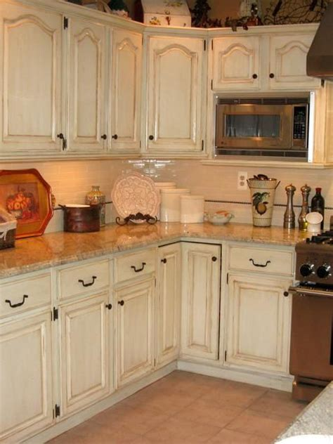 distressed kitchen cabinets ideas 17 best images about antique white kitchen cabinets on