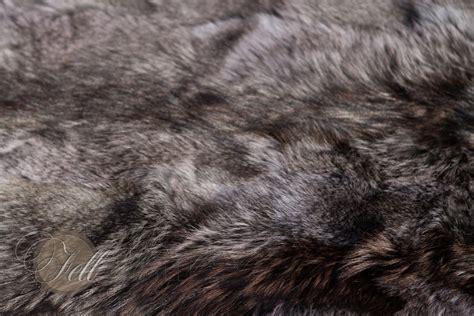 bettvorleger grau bettvorleger coyote fell grau 115x60 cm lammfell