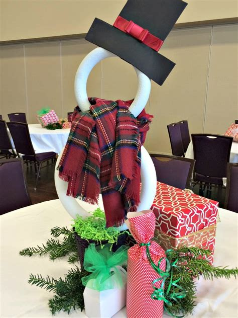 christmas arangemts fyi how to make a styrofoam ring snowman and church banquet table decorations dimples