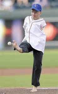 Mba Baseball Colorado by Born With No Arms Throws Out Pitch At San