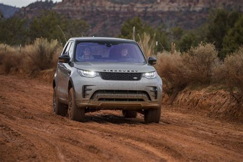land rover discovery off road tires 2017 land rover discovery off road 62 motor trend