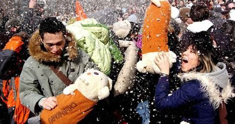pillow fight day 1st apr 2017 days of the year