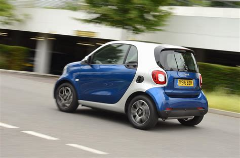 smart car test smart fortwo term test review fending attack