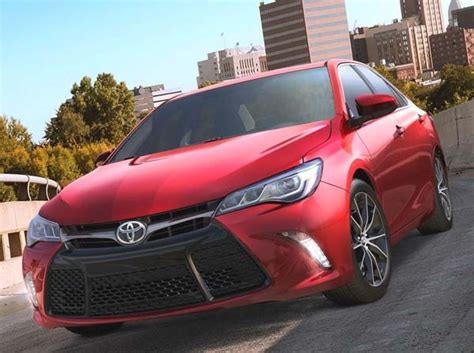 2015 Toyota Camry Se Price 2015 Toyota Camry Pricing Starts At 23 795 Kelley Blue Book