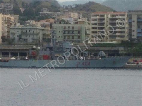 Harga La Wega 629 approdata al porto di reggio calabria la con 629 migranti e 45 salme ilmetropolitano it