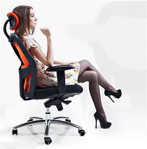 Best Office Desk Chairs Best Ergonomic Office Chairs Be More Efficient While Working Comfortably Gizmo Snack