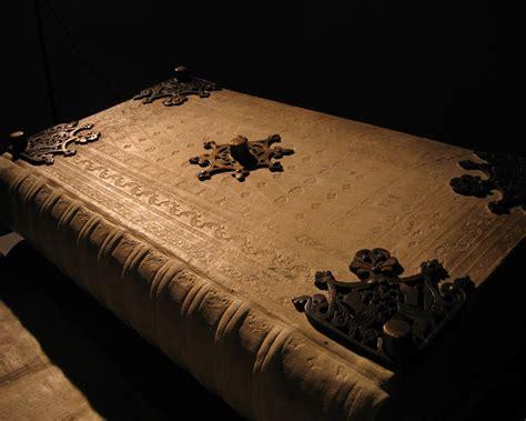 libro conjura en dorchester terrace leyendas y cuervos el codex gigas o c 243 digo del diablo