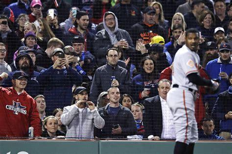 boston sox fans sox ban fan from fenway park for racial slur