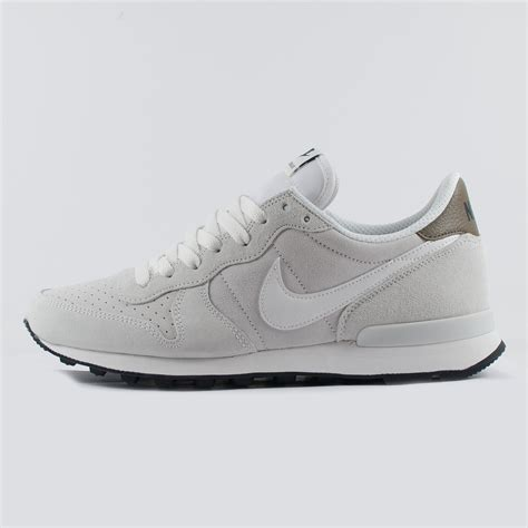 Nike Waffle 09 Suede mens nike internationalist leather suede summit white