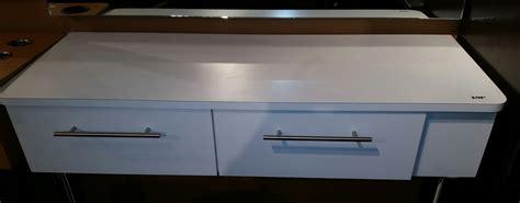 Pers Premium L42 custom salon cabinetry