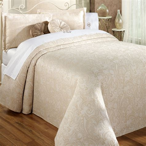 Lightweight King Bedspread Provence Lightweight Matelasse Bedspread Honey King