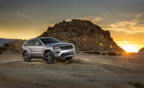 trailhawk jeep 2017 2017 jeep grand cherokee trailhawk photo gallery autocar