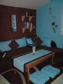 chambre avec coin salon turquoise et marron d co