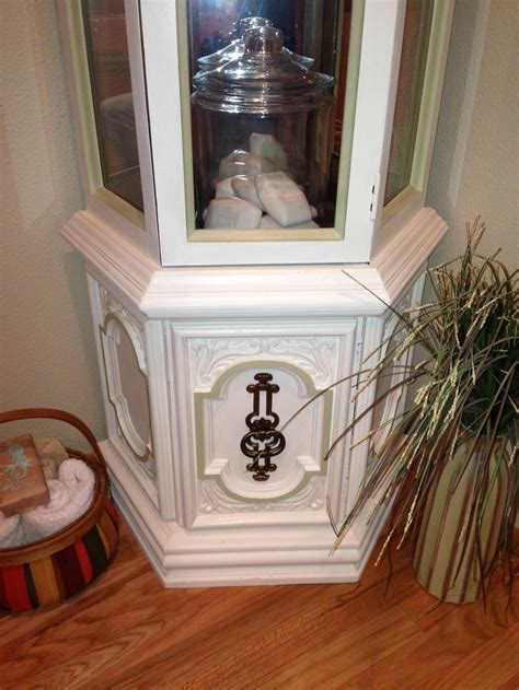 Curio Cabinet Chalk Paint 17 Best Ideas About Painted Curio Cabinets On Pinterest