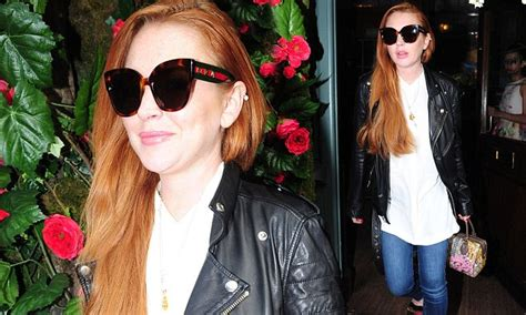 Style Lindsay Lohan Fabsugar Want Need 5 by Smiling Lindsay Lohan Looks Sartorially Savvy In