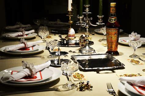 elegant dinner tables pics 5 themed dinner party ideas challenge magazine