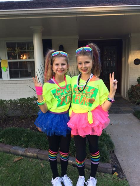80s themed party outfits fun girls 80s costume pinteres