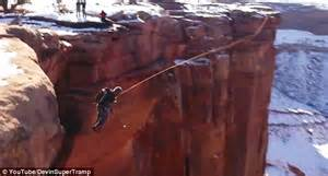grand canyon swing thrill seekers jump into 400 ft deep utah canyon for an