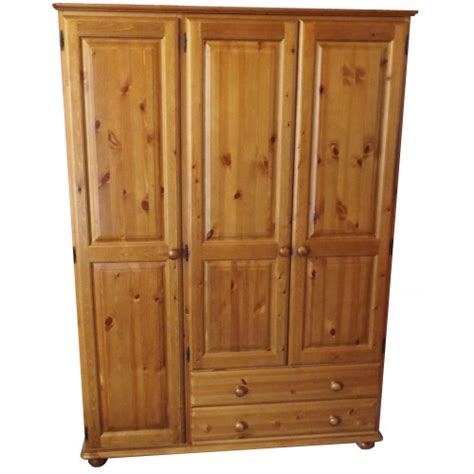 Pine Wardrobe by Finewood Studios Furniture Ltd Julie Pine