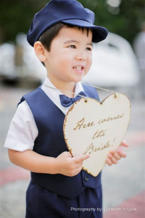 ring bearer here comes the sign for ring bearer archives weddings romantique