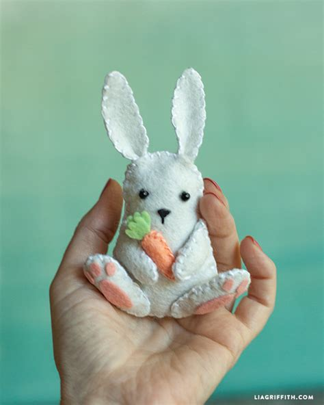 free pattern felt bunny felt easter bunny pattern and tutorial from lia griffith