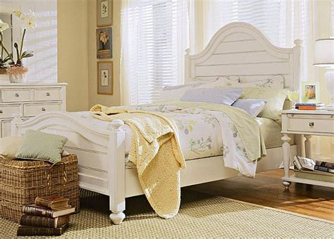 White Furniture by How To Decorate A Bedroom With White Furniture
