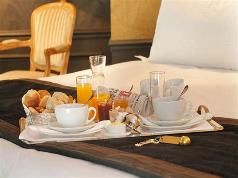 tipping room service tips of room service at hotels