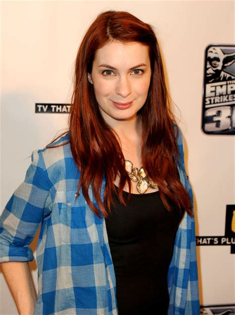 what is felicia day s hair color felicia day long hairstyles looks stylebistro
