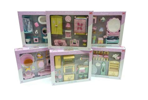 Le Toy Van Lavender Dolls House With Daisy Lane Furniture And Dolls Ebay