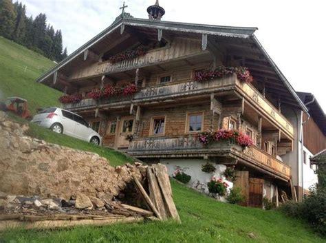 immobilien holzhaus kaufen altes tiroler holzhaus in alzey bauernh 228 user h 246 fe