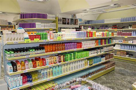 arredamenti negozi parrucchieri arredamento negozio parrucchiere alessandria arredo negozio