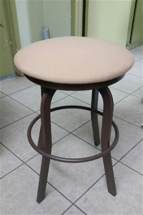 34 Backless Bar Stools by Outdoor 34 Inch Backless Swivel Stool With Padded Seat
