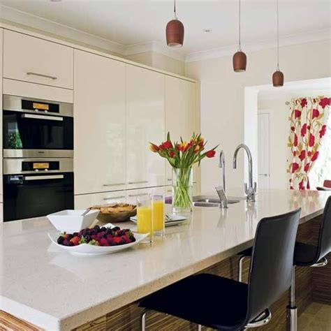 cream gloss kitchens ideas high gloss cream kitchen kitchens decorating ideas